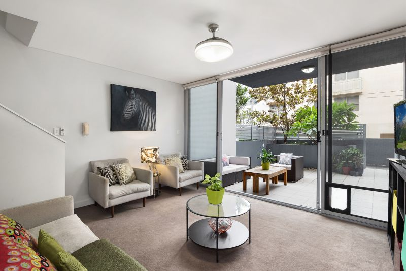 Lifestyle excellence in sunny courtyard apartment
