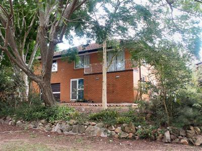 GREAT FAMILY HOME - WALK TO SCHOOLS