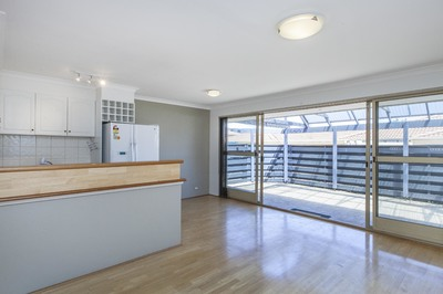 2/37 View Street, North Perth