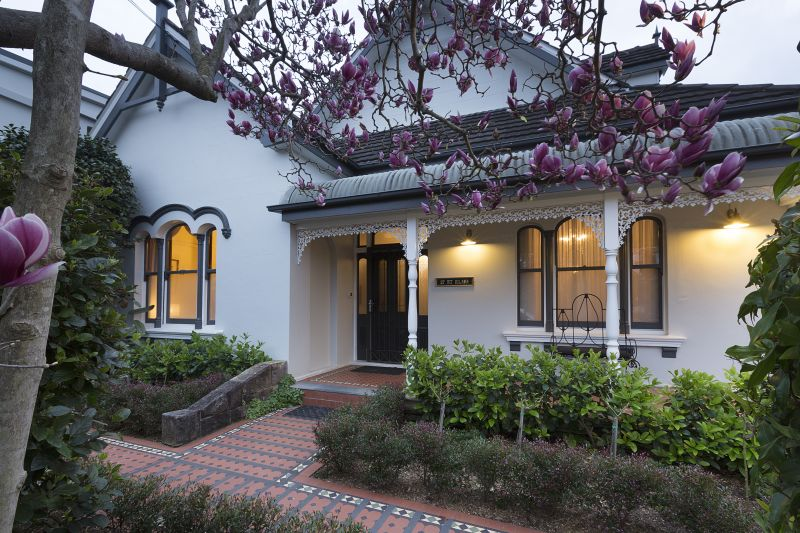 Additional photo for property listing at 'St Elmo' 1868 - Grand Victorian residence and unique commercial premises  North Willoughby, New South Wales,2068 Australie