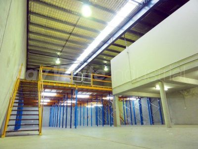 326sqm + 138sqm mezzanine. HEAPS of storage