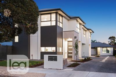 Stylish and contemporary townhome ready to move in!