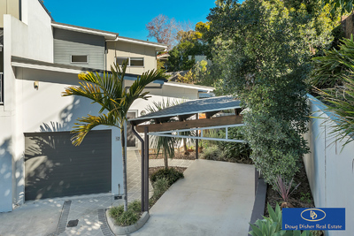 Private, Contemporary Townhouse in Superb Location