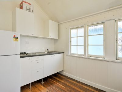 FULLY FURNISHED STUDIO WITH CAR PARK