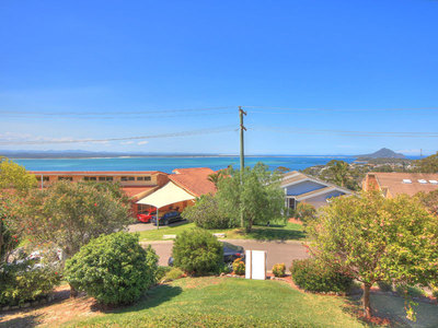2/22 Canomii Close, Nelson Bay