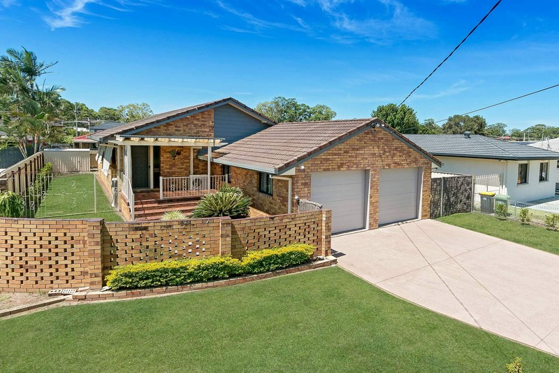 PRIME LOCATION - BRICK AND TILE FAMILY HOME ON 610m2