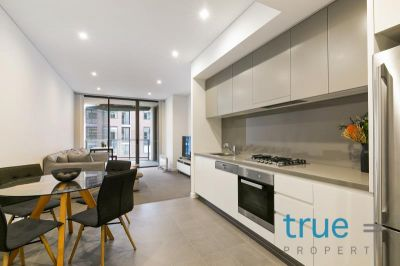 = HOLDING DEPOSIT RECEIVED = IDEALLY LOCATED ONE BEDROOM APARTMENT IN FANTASTIC SOUGHT AFTER LOCALE