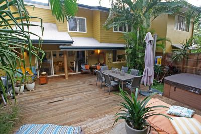 Fully furnished townhouse in Beachside Suffolk Park