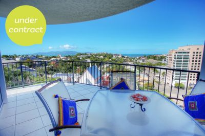 MAGNIFICENT ISLAND & WATER VIEWS - END UNIT