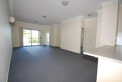 2 Bedroom Unit – Great Location !!