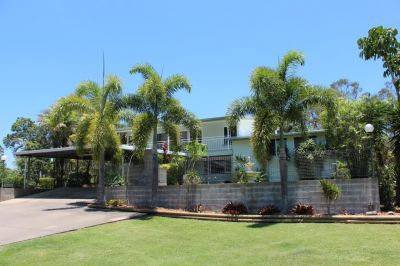 Lifestyle Property - Large Home - 8 Acres - Beautiful Outlook
