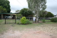 LOWSET TIMBER HOME - 1171m2 ALLOTMENT