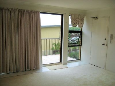 MODERN 2 BED UNIT CLOSE TO TRANSPORT