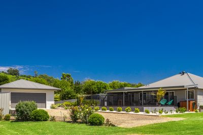 Character Home + Pool On 7 Acres With Magnificent Views