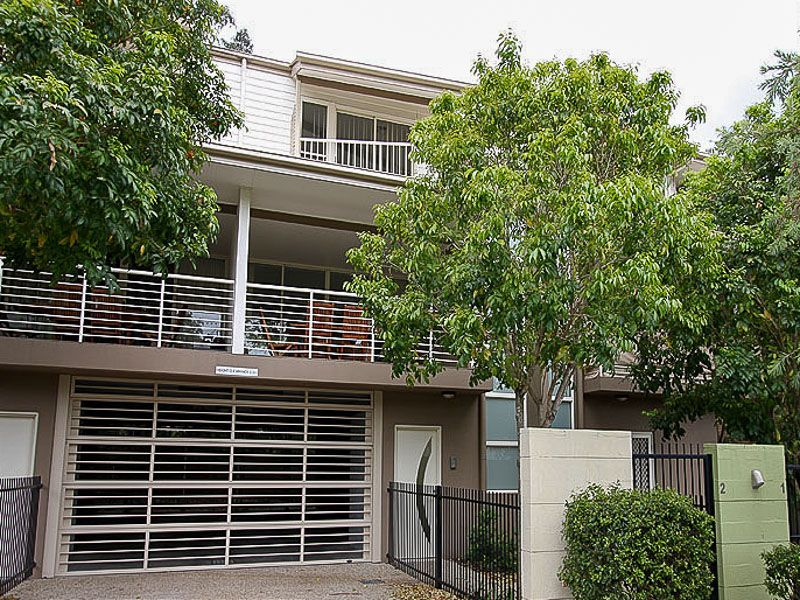 2/163 Central Avenue Indooroopilly 4068