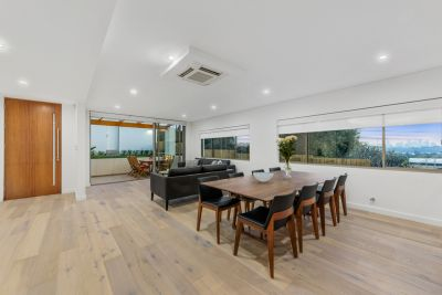 Brand New Ultra Contemporary 4 bedroom Duplex with Harbour Views