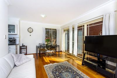 Rare offering - freestanding townhouse with light and style