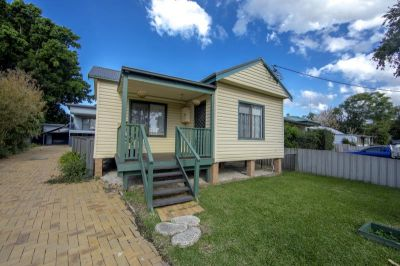 Great Location - Close to University