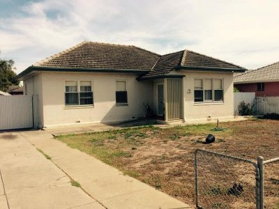FAMILY FRIENDLY HOME CLOSE TO CASTLE PLAZA