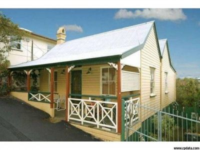 Renovated Queenslander Full of Charm!