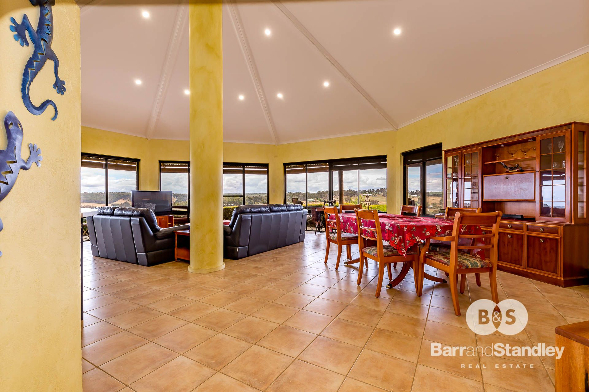 6 Jacaranda Place, Kangaroo Gully