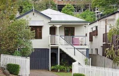 Stylish Highset QLD Home - New Air Conditioning Units
