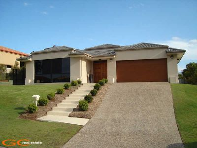 4 BED - 3 BATHROOM HOME - WALK TO AB PATERSON COLLEGE