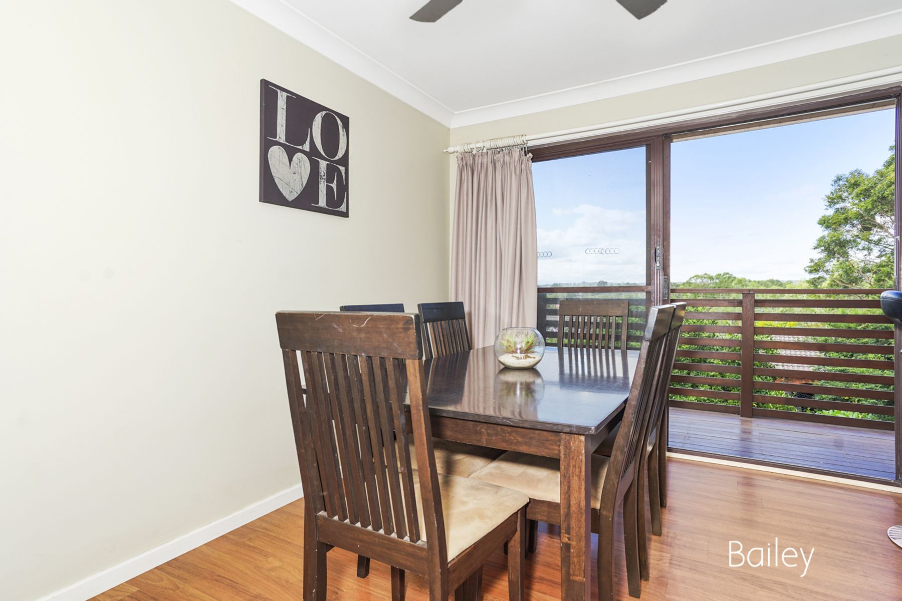 24 Falkiner Crescent, Singleton