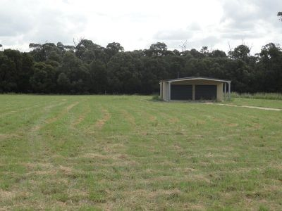 RIVERDELL ACERAGE WITH SHED!