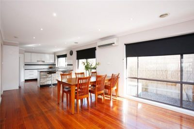 Renovated Family Living On a Large 768sqm Block !