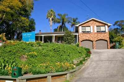 spacious 4 bed trilevel family home. outstanding block with gorgeous gardens.
