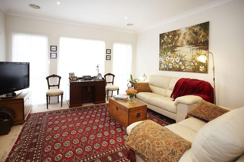 IMPRESSIVE 3 BEDROOM TOWN RESIDENCE IN THE POPULAR EPSOM PARK ESTATE