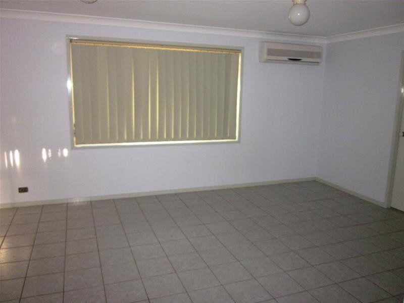 18 Eucalyptus Court, WARABROOK