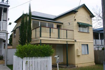Queenslander in Top Location
