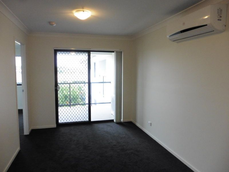 PERFECTLY POSITIONED - MODERN 1 BED UNIT AVAILABLE IMMEDIATELY