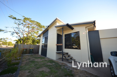 Modern 4 Bedroom Home - Minutes From The City