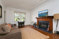 TOP FLOOR ART DECO APARTMENT WITH POSITION & POTENTIAL OPPOSITE EDGECLIFF CENTRE