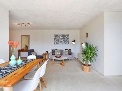 Light filled and spacious, ideal lifestyle pad