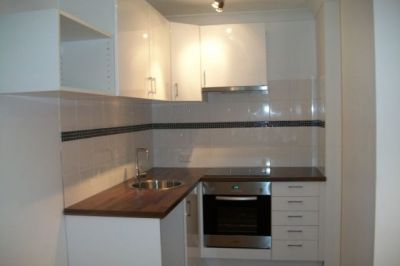 Renovated one bedroom security apartment in great location.
