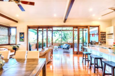 Charming Queenslander with Potential on 951sqm