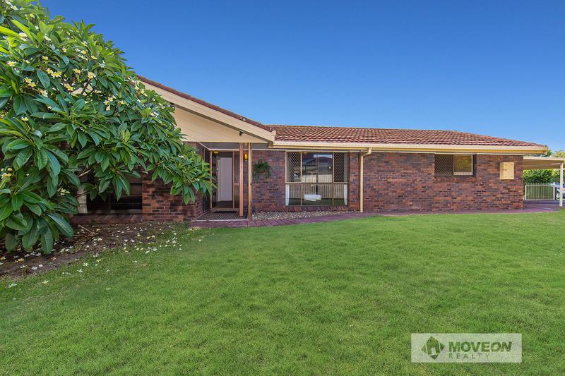 GREAT LOCATION - LARGE FAMILY HOME - DUAL POTENTIAL- 688m2