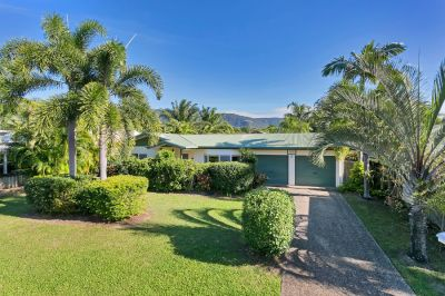 BRILLIANT BEACHSIDE INVESTMENT – RENT OUT OR MOVE IN!