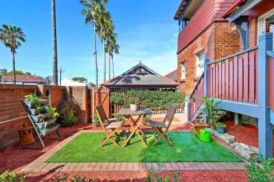 Picture Perfect One Bedroom Cottage - So Rare & So Convenient!