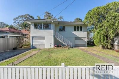 Highset Air Conditioned Family Home - Plenty of storage space !!!
