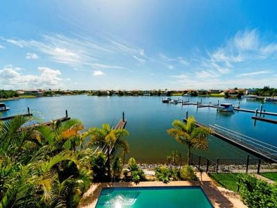 518 Oyster Cove Promenade, Helensvale