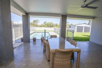 THEATRE, POOL, SHED, MUD ROOM, OFFICE, 1,016M2 BLOCK