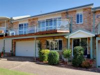 2/4 Whiting Place Corlette, Nsw