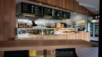 OPERATIONAL CAFE WITH NEAR NEW FITOUT