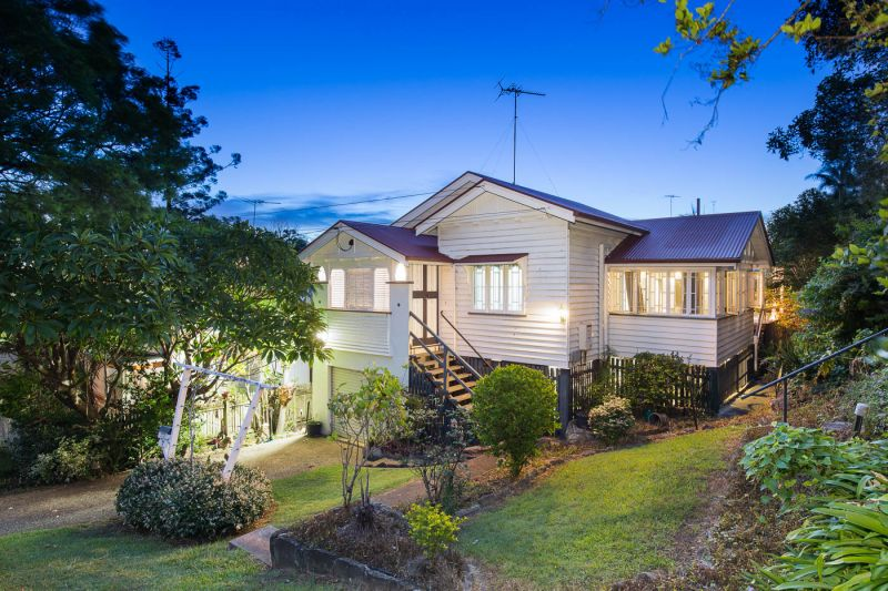 7 Burns Street Indooroopilly 4068