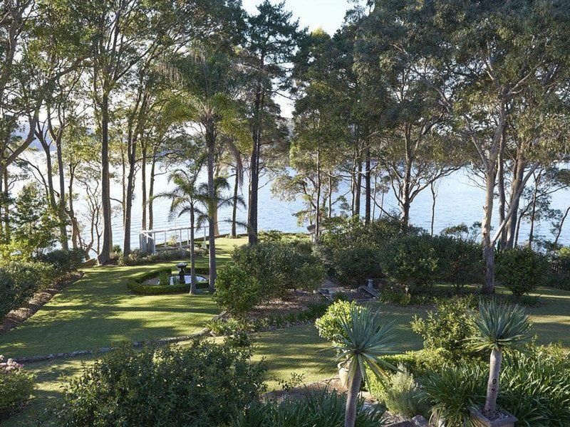 6 Bona Crescent, Lovett Bay